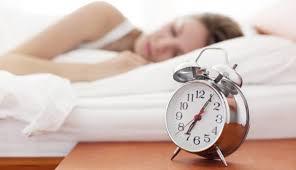 決められた時間に寝ることがメラトニンには重要