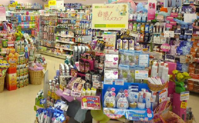 ドラッグストアで購入できるシミ消し化粧品を調査!